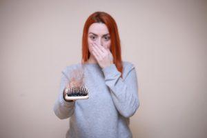 נשירת שיער אחרי לידה: איך מתמודדים עם התופעה?