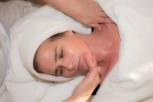 Read more about the article שיפור מראה העור לאחר הלידה: שגרת הטיפוח והבריאות שתשיב לך את הזוהר